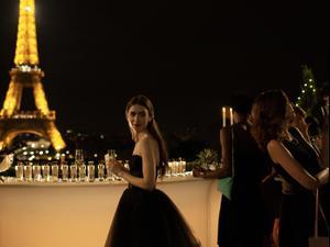 """אמילי בפריז. נטפליקס, יח""""צ"""