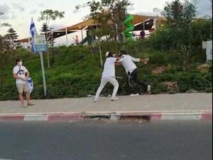 מפגינים  מדווחים על אלימות: קשישה נדחפה בחיפה, בקבוק הושלך ברמת גן 3.10.20