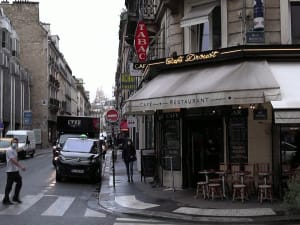 פריז סוגרת את הברים אחרי עלייה בתחלואה בקורונה 5.10.20