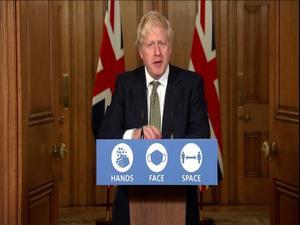 אחרי בלבול בתקנות: בריטניה הציגה תכנית רמזור להגבלות הקורונה 13.10.20