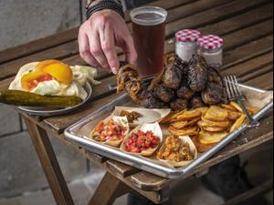 מיטש, מסעדת קבבים בשוק הכרמל, תל אביב