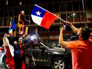 אזרחי צ'ילה החליטו לבטל את החוקה מתקופת פינושה (26.10.20)