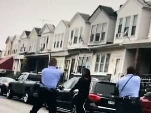 תיעוד: שוטרים יורים בגבר שחור בפילדלפיה, 26 באוקטובר 2020