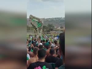 אלף אוהדי מכבי חיפה הגיעו לפרגן באווירה ססגונית בכפר גלים