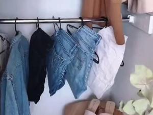 טריק לתליית ג'ינס בארון. @mama_mila, צילום מסך