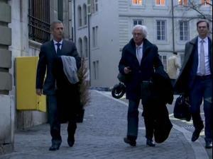 משפט המיליארדר הישראלי בני שטיינמץ: נאשם במתן שוחד בגיניאה  11.11.21. רויטרס