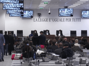באיטליה התחיל משפט המאפיה הגדול ביותר מאז 1980  13.1.21. רויטרס