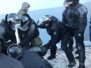רוסיה: מאות עצורים בהפגנות תמיכה במנהיג האופוזיציה נבלני  23.01.21. רויטרס