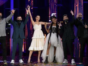 """לוסי איוב מכריזה על השיר """"Set Me Free"""" בביצוע עדן אלנה כשיר שייצג את ישראל באירוויזיון בהולנד 2021, במשדר """"השיר שלנו לאירוויזיון"""" בכאן 11. סטילס: ערן לוי, וידאו: כאן 11, יח""""צ"""