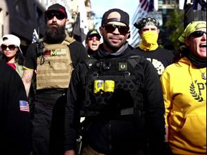 """מנהיג """"הנערים הגאים"""" שנעצר בוושינגטון לפי ההסתערות התגלה בתור מודיע ממשלתי 28.1.21. רויטרס"""