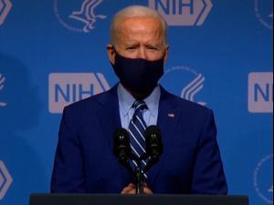 """ביידן מכריז כי ארה""""ב קנתה 200 מיליון מנות חיסון נוספות, מבקר את ממשל טראמפ  12.02.21. רויטרס"""
