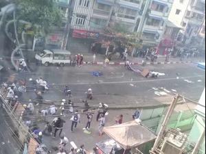 כ-20 הרוגים בעימותים בין המשטרה למפגינים במיאנמר  28.2.21. רויטרס