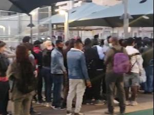 מתחם החיסונים  לאוכלוסייה זרה בתל אביב, שהיה אמור להיסגר היום, ימשיך לפעול  01.03.21. אין, אתר רשמי