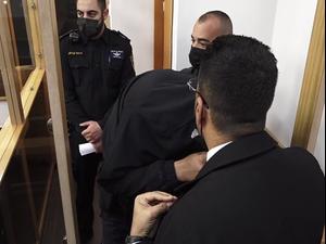 הוארך מעצרם של 2 צעירים החשודים בגניבת נשק מלוחם   8.3.21. פול חדשות 13, מערכת וואלה! NEWS