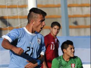 פרנקו אקוסטה במדי נבחרת אורוגוואי עד גיל 17. Matilde Campodonico, AP