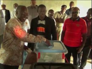 שמועות בטנזניה על מצב בריאותו של הנשיא, מכחיש הקורונה, שלא נראה כבר שבועיים  16.03.21. רויטרס