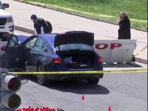 מכונית פרצה מחסום במתחם הקפיטול, שני שוטרים נפצעו קשה  02.04.21. רויטרס, רויטרס
