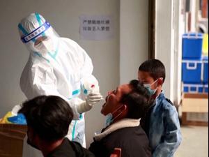 בדיקות קורונה בסין השבוע. רויטרס, רויטרס