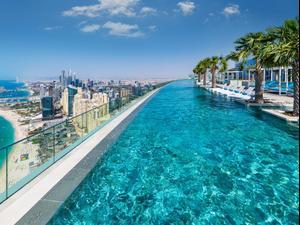 בריכת אינפיניטי במלון Address Beach Resort בדובאי. אתר רשמי, אתר רשמי