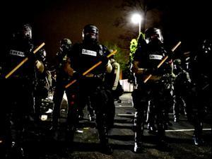 הפגנה במיניאפוליס, ברקע משפטו של קצין המשטרה החשוד במותו של ג'ורג' פלויד  12.04.21. רויטרס