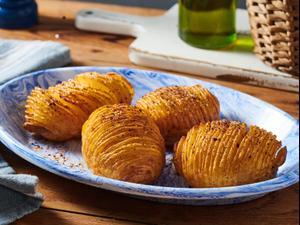 תפוחי אדמה בתנור. נמרוד סונדרס, סטיילינג: יעל מגן,