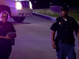 """ארה""""ב: שמונה הרוגים בסניף של פדקס באינדיאנפוליס, אינדיאנה 16.04.21. רויטרס"""