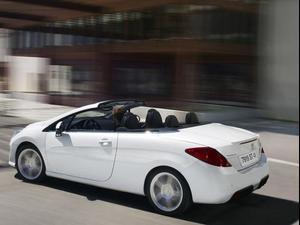 מתוחכם פיג'ו חושפת מכונית הקופה-קבריולה על בסיס ה-308 - וואלה! רכב LP-01