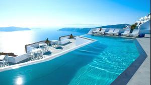 בריכת אינפיניטי במלון Grace Santorini יוון. אתר המלון, מערכת וואלה! NEWS
