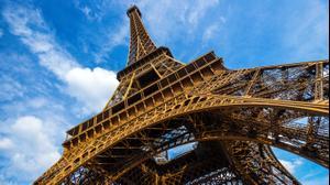 מגזין צרפת מגדל אייפל פריס