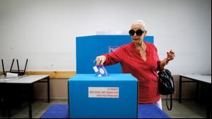 מצביעים בבחירות לכנסת ה-21 בתל אביב, 9 באפריל 2019