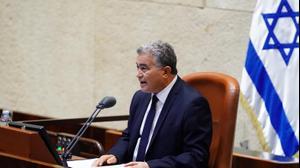 """יו""""ר הכנסת הזמני, עמיר פרץ במהלך הצבעה על בחירת יו""""ר קבוע, כנסת, ירושלים 26 במרץ 2020"""