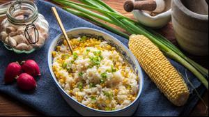 צ'יזי רייס עם תירס (אורז מוקרם)