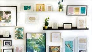 תמונות בקיר גלריה
