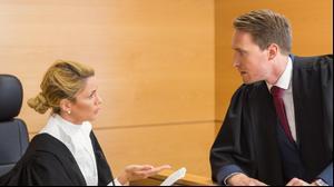 עורך דין בבית משפט