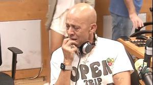 דידי הררי פורץ בבכי לאחר שחזר לשדר ברדיו 103FM בתום ה-30 למות אשתו מירית