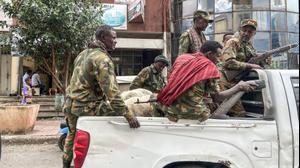 חברי מיליציית אמהרה, הנלחמים עם צבא אתיופיה במחוז תיגראי, בעיר גונדר, 8 בנובמבר 2020
