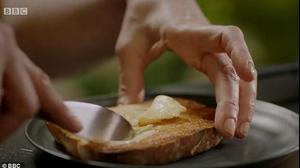 נייג'לה לאוסון מציגה: מתכון לצנים עם חמאה