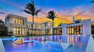 אחוזת פאר בפאלם ביץ' מוצעת למכירה תמורת 140 מיליון דולר. PictureIsSoldFL.com, אתר רשמי