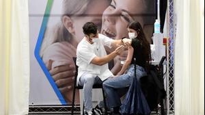 מתחם חיסוני קורונה של קופת חולים כללית, פתח תקווה, 17 בינואר 2021. ראובן קסטרו