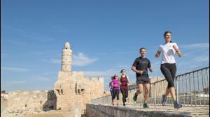 """סיורי ריצה מודרכים בירושלים. ריקי רחמן, יח""""צ"""