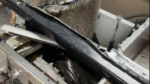 מכונת כביסה שהתפוצצה. Laura Birrell/Facebook, צילום מסך