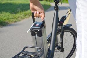 אז אופניים חשמליים לא מוגדרים כרכב מנועי: מה ההשלכות?