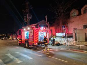 גבר כבן 60 נספה בשריפה בדירת מגורים בירושלים