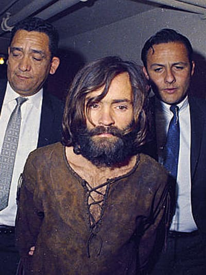 הרוצח הסדרתי צ'רלס מנסון