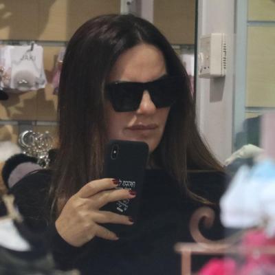 אופירה אסייג עושה קניות