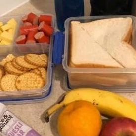 קופסת אוכל שהכינה לבעלה הפך לוויכוח סוער ברשת