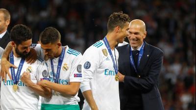 זינדין זידאן מאמן ריאל מדריד עם כריסטיאנו רונאלדו