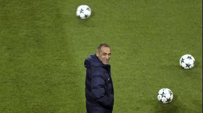 יורגוס דוניס מאמן יווני