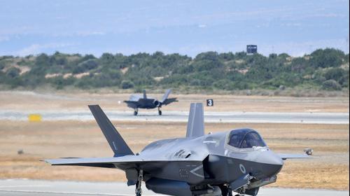 F-35 עם נחיתתו בקפריסין