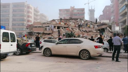 נזקי רעדידת האדמה שהורגשה לחופי יוון והובילה לקריסת מבנים באיזמיר, טורקיה 30 באוקטובר 2020